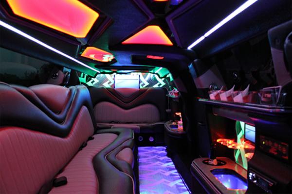 8 Person Chrysler 300 Limo Rental Plano